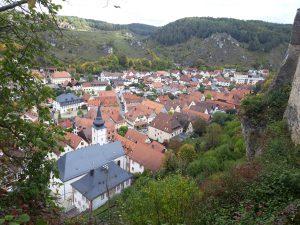 Felsenstädtchen Pottenstein von der Burg