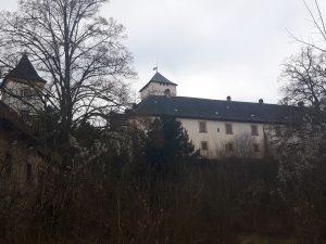 Schloss Greifenstein von seinen Nebengebäuden gesehen